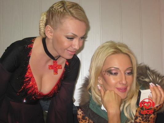 Яна Рудковская и Лера Кудрявцева