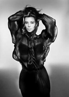 Ким Кардашиян в новом ретро-образе