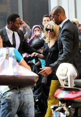 Беременная Шакира попала под прицел папарацци