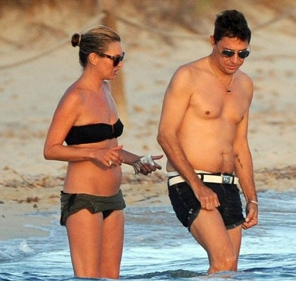 Кейт Мосс отдыхает с мужем на Ибице
