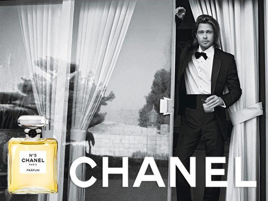 Брэд Питт для Chanel №5