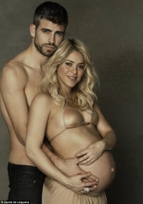 Шакира и Жерар Пике разделись ради благотворительности