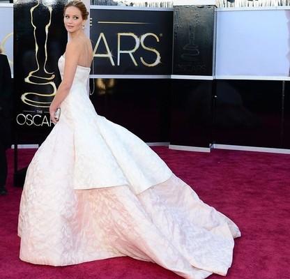 Красная дорожка Оскар 2013. Дженнифер Лоуренс